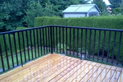 wide picket alumium railings